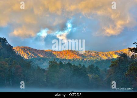 Sonnenaufgang in Cataloochee Tal - Stockfoto