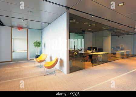 Modernes Bürogebäude Interieur. 3D-rendering Konzept
