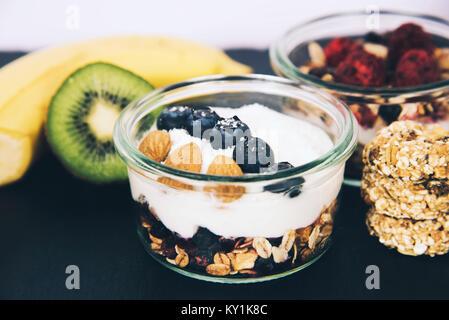 Gesundes Frühstück frisches Müsli Müsli. - Stockfoto