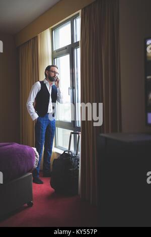 Geschäftsmann, telefonieren mit Handy - Stockfoto