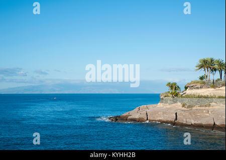 Küsten felsiges Gelände von Casa del Duque, mit schönen klaren blauen Wasser, am frühen Morgen, in der Gemeinde - Stockfoto