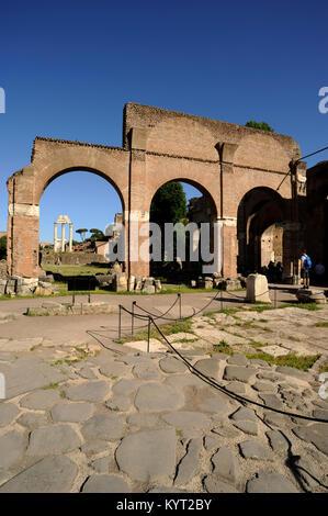 Italien, Rom, Forum Romanum, Basilica Julia - Stockfoto