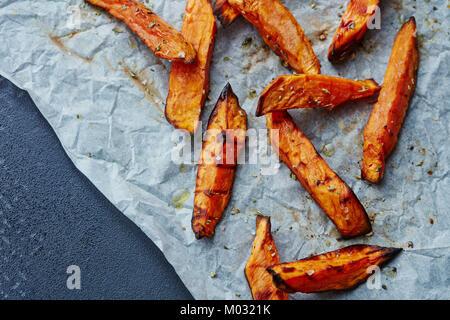 Süßkartoffel-chips - Stockfoto