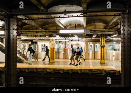 14. Straße - Achte Avenue Subway Station Manhattan_New York, New York, USA - Stockfoto