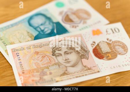 Neue polymer Englisch £ 10 und £ 5 Banknoten mit Jane Austen und Winston Churchill - Stockfoto