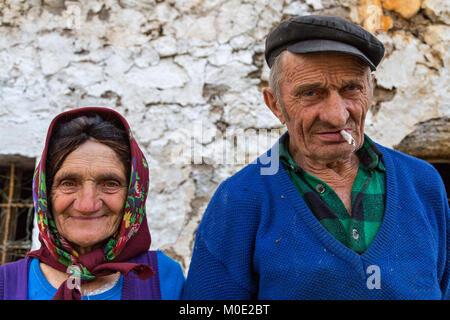 Albanische ältere Paare, Albanien. - Stockfoto