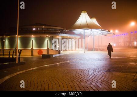 Aberystwyth, Ceredigion Wales, Sonntag, den 21. Januar 2018 UK Wetter: Nach einem Tag mit sintflutartigen Regenfällen - Stockfoto