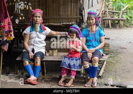 Asien, Thailand, Chiang Mai, Ban Huay Pa Rai Bergdorf, langen Hals Frau - Stockfoto