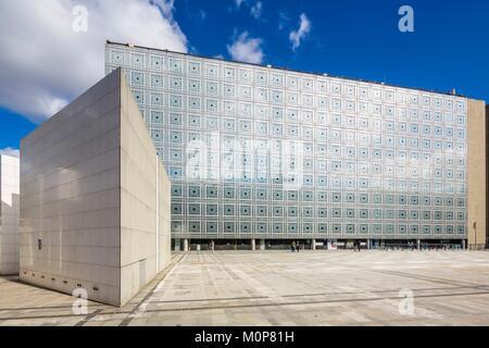 Frankreich, Paris, Institut du Monde Arabe (IMA), entworfen von dem Architekten Jean Nouvel und Architecture-Studio - Stockfoto