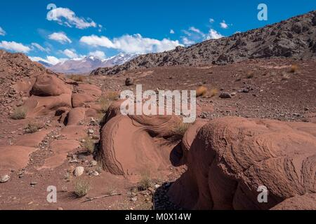 Argentinien, San Juan Provinz, Barreal, Rio de Los Patos Tal, Wind erosion - Stockfoto