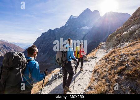 Frankreich, Hautes Alpes, Nationalpark Ecrins, Region der Briançonnais, Gendarmen erste Hilfe Arbeiter von hoher - Stockfoto