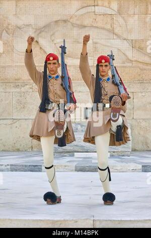 Zeremonie der ändern Evzones Guard (Presidential Wachen), Athen, Griechenland - Stockfoto