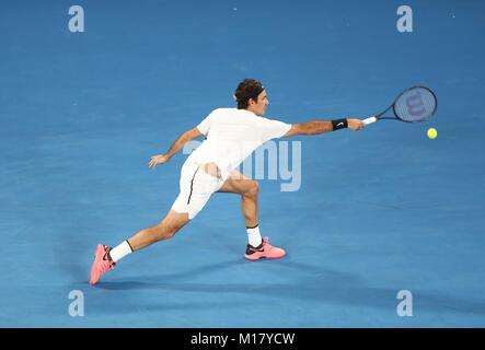 Melbourne, Australien. 28 Jan, 2018. Der Schweizer Roger Federer konkurriert bei der Men's singles Finale gegen - Stockfoto