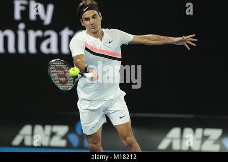 Melbourne, Australien. 28. Januar 2018. Schweizer Tennisspieler Roger Federer ist in Aktion während seiner 1. Runde - Stockfoto