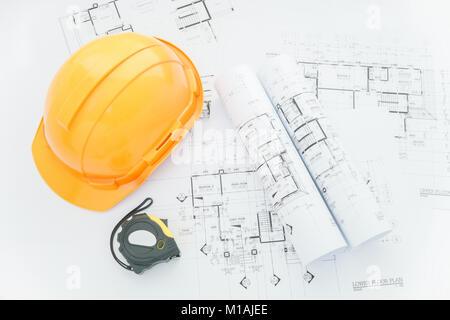 ... Architekten Arbeitsplatz   Architekturentwürfe Mit Maßband, Schutzhelm  Und Tools Auf Tisch. Top View