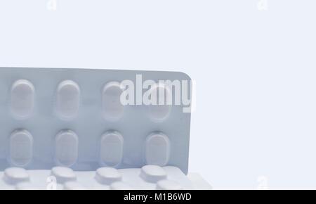 Verpacken von Tabletten für die Behandlung der Hypertonie..