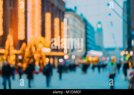 Helsinki, Finnland. Neues Jahr Boke Lichter Weihnachten Dekoration und festliche Beleuchtung in Aleksanterinkatu - Stockfoto
