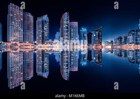 Dubai Marina Reflexion bei Nacht - Stockfoto