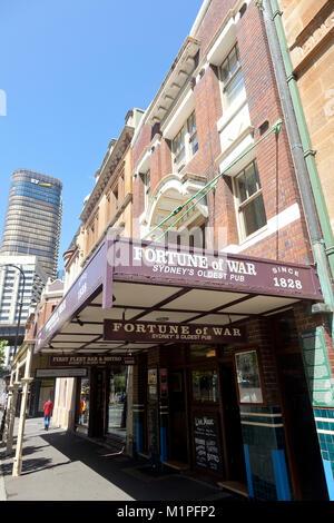Vermögen von Krieg, Sydneys ältesten Pub, George Street, The Rocks, Sydney, NSW, Australien - Stockfoto