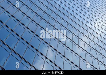 Abstrakte Sicht eines Hochhauses, Nahaufnahme - Stockfoto