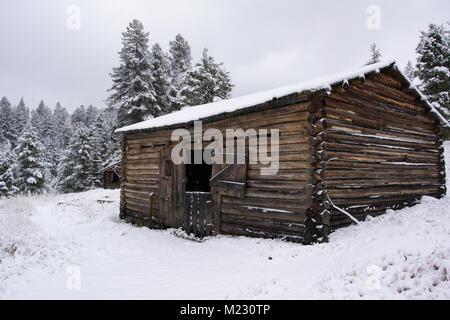 Eine alte Livery an Granat Geisterstadt stabil anmelden, nordwestlich von Drummond, Montana in Granit County. Die - Stockfoto