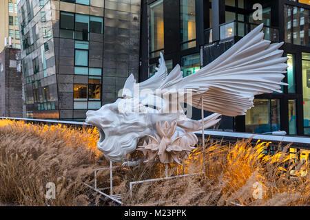 High Line New York, Mutationen sculture, Marguerite Humeau schlägt SPHINX JOACHIM, eine Sphinx als geflügelte Löwe, - Stockfoto