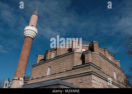 Äußere des 15. Jahrhunderts Banya Bashi Moschee die einzige funktionierende Moschee in der Stadt Sofia, Hauptstadt - Stockfoto