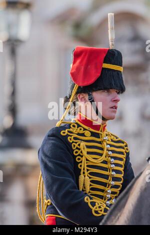 London, Großbritannien. 6. Februar, 2018. Auf dem 100-jährigen Jubiläum der Frauen, der Abstimmung, der Könige Truppe - Stockfoto