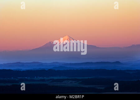 Neuseeland, Nordinsel, New Plymouth, Aussicht auf Mount Taranaki oder Mount Egmont. - Stockfoto