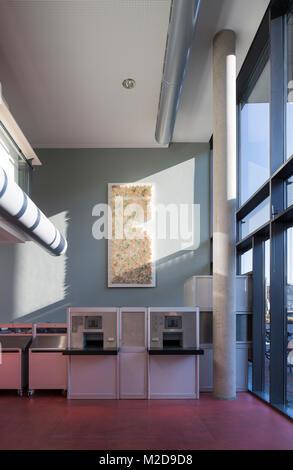 Krefeld, Mediothek, 2008 erbaut von HPP, Photographie von UKW, Jochen Usinger und Martin Klein-Wiehle, Buchkunstobjekt - Stockfoto