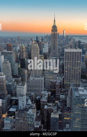 New York City Skyline im Sonnenuntergang - Stockfoto