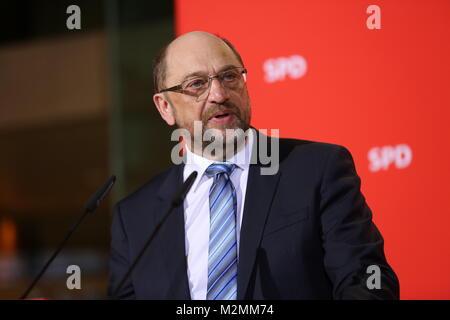 Berlin, Deutschland. 07 Feb, 2018. SPD-Chef Martin Schulz übergibt Vorsitz an die Partei der Fraktionsvorsitzende - Stockfoto