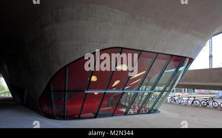 Wolfsburg PHAENO Wissenschaftsmuseum Untergeschoss Teilansicht 2001-05 von Zaha Hadid - Stockfoto
