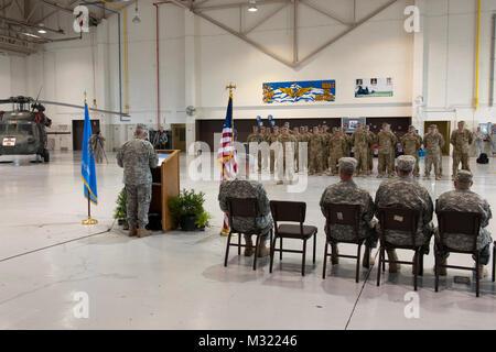 Mitglieder der Abteilung 1, Unternehmen C, 2.BATAILLON, 149 Allgemeine Unterstützung Aviation Battalion (Gsab), - Stockfoto