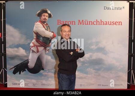 "Tayfun Bademsoy, Fototermin 'Muenchhausen"", Hamburg, 29.10.2012"