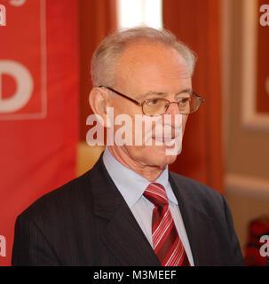 Diskussionsabend mit dem Praesidenten des Europaeischen Parlamentes a.D. Dr. Klaus Hänsch, der Europaabgeordneten - Stockfoto