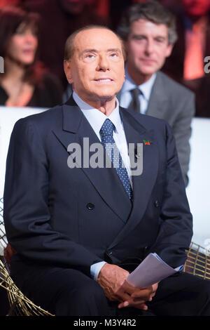 Silvio Berlusconi zu Gast bei der ersten Rai 2 Episode von 'Kronos - Die Zeit der Wahl' in Rom Mit: Silvio Berlusconi, - Stockfoto