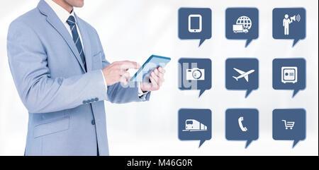 Zusammengesetztes Bild der Geschäftsmann mit TabletPC - Stockfoto