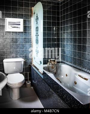 ... Luxuriöses Badezimmer Mit Whirlpool   Stockfoto