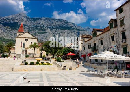 Andrija Kacic Miosic Square in Makarska, St. Markus Kathedrale, Dalmatien, Kroatien, Europa - Stockfoto