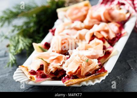 Hausgemachte herzhaften Kuchen mit Cranberry - Stockfoto