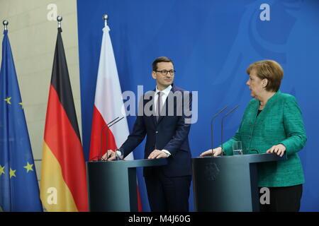Berlin, Deutschland. 16 Feb, 2018. Berlin: Bundeskanzlerin Angela Merkel und dem Premierminister der Republik Polen, - Stockfoto