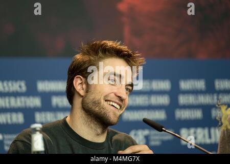 Berlin, Deutschland. 16 Feb, 2018. Robert Pattinson besucht die 'Amsel' Pressekonferenz während der 68. Berlinale - Stockfoto