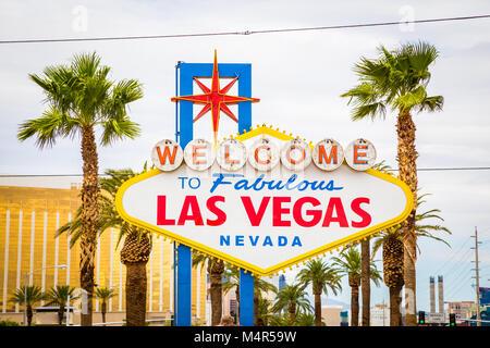 Klassische Ansicht von Welcome to Fabulous Las Vegas Schild am südlichen Ende des berühmten Las Vegas Strip Welt - Stockfoto