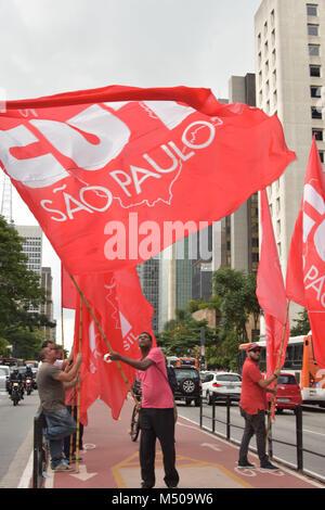 Sao Paulo, Brasilien. 19. Februar, 2018. Sao Paulo, Brasilien. 19. Februar, 2018. Am Montag, (19) die Gewerkschaften - Stockfoto