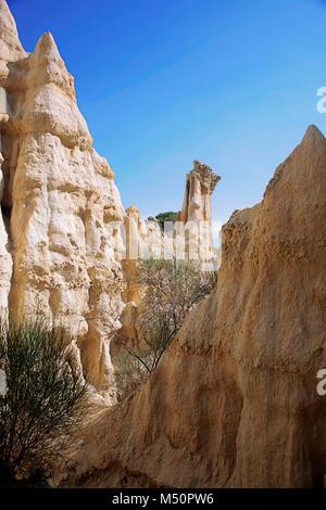 Les Orgues, Sandstein Säulen Erosion durch Wasser und Wind, Ille-sur-Têt, Pyrénées-Orientales, Royal, Frankreich - Stockfoto
