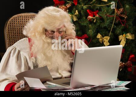 haufen kinder weihnachten briefe an den weihnachtsmann stockfoto bild 62581044 alamy. Black Bedroom Furniture Sets. Home Design Ideas