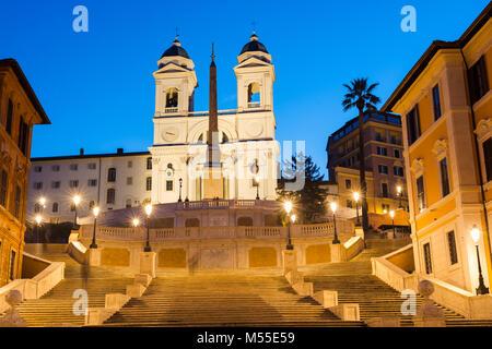 Die Spanische Treppe (Scalinata di Trinità dei Monti), Rom, Italien, zwischen Piazza di Spagna und der Piazza Trinità - Stockfoto