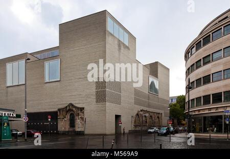 Köln Kunstmuseum KOLUMBA Erbaut 1997-2007 unter Einbeziehung von Resten der Kirche St. Kolumba Architekt Peter Zumthor - Stockfoto
