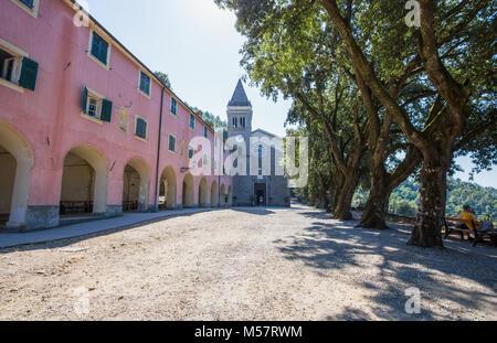 MONTEROSSO AL MARE, Italien, 18. August 2017 - Wallfahrtskirche Nostra Signora di Soviore, La Spezia Provinz, in der nähe von Monterosso, Cinque Terre, Italien. Stockfoto